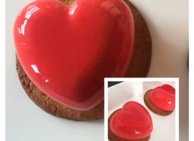 The heart on cookie